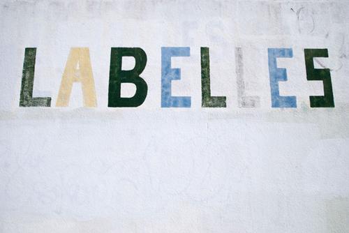 Labeles