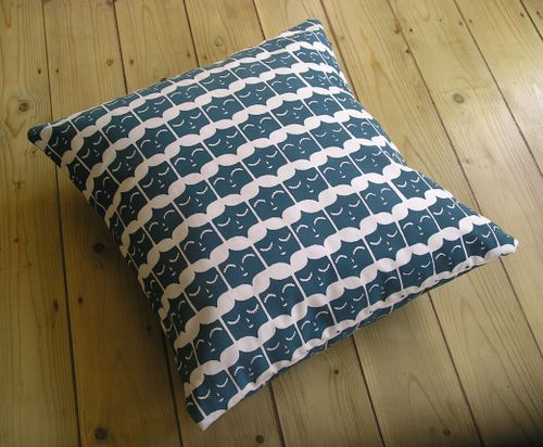 Blue_cushion