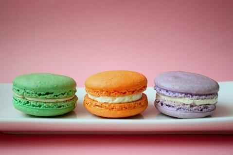Cute-food-filled-macaron