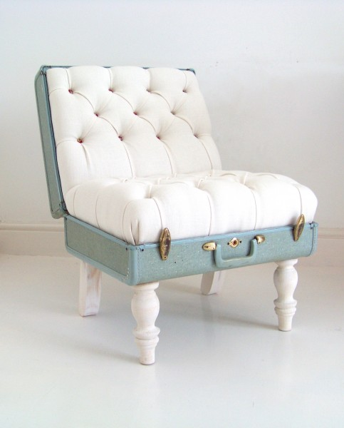 White-Samsonite-suitcase-chair-white-linen-floral-deep-button-suitcase-detail-1-1-483x600